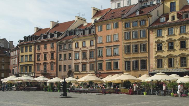街中にハッカソンのポスター? グローバルテック企業が注目を寄せるポーランド